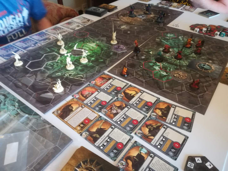 Three-way Warhammer Underworlds game